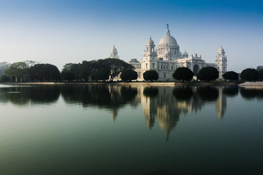 Sri Aurobindo devint conseiller du Mahâradja à vingt et un an