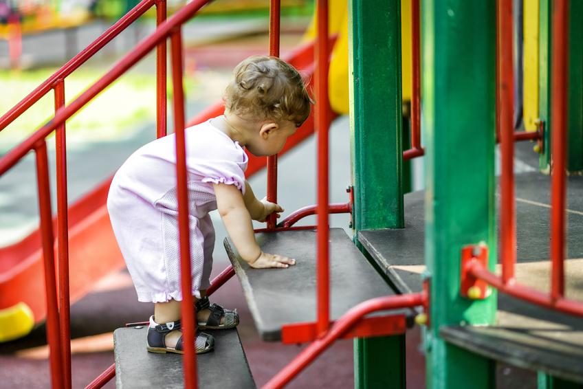 Il est important d'aider l'enfant qui traverse une période sensible en lui donnant accès à l'activité dont il manifeste le besoin.