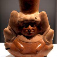 L'iconographie mochica est unique dans les Andes anciennes par sa diversité, son originalité et sa complexité.