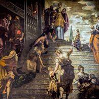 Tintoret utilise le mouvement démultiplié : une même action est montrée à des étapes successives, distribuées entre plusieurs personnages présents